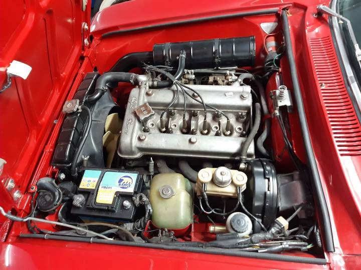 Alfa Romeo GT 2000